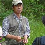 植物を愛する小平哲夫講師