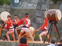 千葉城太鼓さんの演舞で始まります。